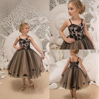 Wholesale flowers girl wedding dress spaghetti straps online - Spring Black Short Flower Girls Dresses Applique Corset Straps Tulle Girls Pageant Dress First Communion Dress Kids Prom Formal Gowns