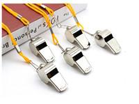 cordão inoxidável venda por atacado-Apito de metal Amarela Colhedor de Futebol de Futebol Apito Árbitro Fãs de Aço Inoxidável Whistles Caminhadas EDC Engrenagem de Apoio FBA Transporte da gota M74R
