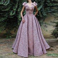 3d spitze abendkleid großhandel-Light Purple Lace V-Ausschnitt Prom Dresses 3D Applikationen Dubai Arabisch ärmelloses Abendkleid Abiye Formal Party Gown robe de soiree