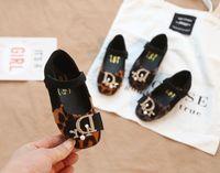 zapatos princesa impreso al por mayor-2019 Estilo de primavera Niña pequeña coreana cabeza cuadrada zapatos de la princesa del bebé de suela suave estampado de leopardo etiqueta mágica zapatos de los niños