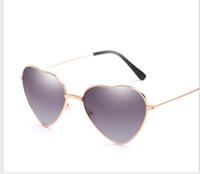 melocotón gafas de sol mujeres al por mayor-Love Decoration Ocean Film Sunglasses Street Photo Peach Gafas de sol en forma de corazón para hombres y mujeres