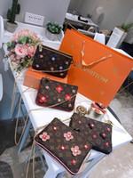 sacs embellis achat en gros de-Sac à bandoulière pour femme série 2019 early spring avec toile en cuir à fleurs bleu et rose, belle et sauvage