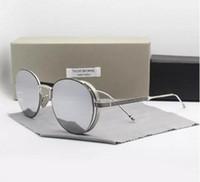 uva uvb солнцезащитные очки женщины оптовых-НОВАЯ Мода солнцезащитные очки марки Thom TB106 UVA / UVB защитадекорация для мужчин и женщин TB 106 Мода с оригинальным чехлом óculos