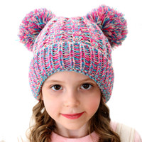 kinderpelz großhandel-Kinder Winter Beanie Hats Kinder Strickmütze mit Double Fur Ball Baby häkeln Pompom Caps Outdoor warme Mütze GGA2627
