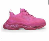 precios de zapatos de diseñador al por mayor-Triple S zapatos de color rosa nueva versión Claro Sole triple de diseño zapatillas de deporte de las señoras Chaussette Triple Vintage Shoes Hombre Mejor precio