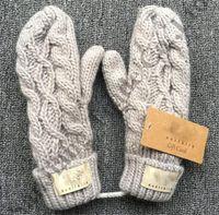 cabo da austrália venda por atacado-Austrália marca ug luva luvas inverno luvas de malha de malha mulheres dedo completo luva meninas luxo luva quente ug corda torcida luva c91001