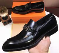 italyan deri ayakkabı tasarımları toptan satış-Marka Erkekler inek deri elbise düğün ayakkabı Moda resmi Takım Elbise Iş Ofis Ayakkabı İtalyan Tasarım Bağcık Oyma Oxfords, 38-45
