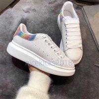 platform espadrilles toptan satış-Yeni Gelenler Renkli Yansıma Erkek Rahat Ayakkabılar Platformu Moda Lüks Tasarımcı Kadın Sneakers Deri Bağbozumu Eğitmen Ayakkabı Espadrilles
