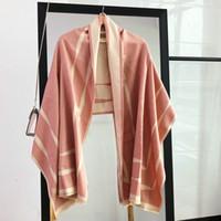 lenço cinza venda por atacado-O elegante lenço versátil de ouro, cinza e rosa do novo designer pode ser feito em cachecol xale. O lenço vermelho é feito de imitação de caxemira