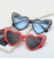 diamantes em forma de coração diamantes venda por atacado-Coração óculos de sol das mulheres designer de marca olho de gato óculos de sol retro amor em forma de coração óculos de compras das senhoras óculos de sol uv400 diamante 10 pcs