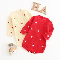 blusas de malha de lã de bebê venda por atacado-Meninas Do Bebê de Algodão De Malha Romper Manga Longa Em Torno Do Pescoço Doce Amor Impresso Pulôver De Lã Crianças Designer de Roupas de Bebê Macio Camisola 0-3 T