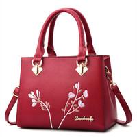 красные синие сумочки оптовых-Fashion Women Handbag Leather Messenger bags  Lovely Red Blue Embroidery Floral Women's Crossbody bag Tote Female bags