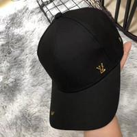 ingrosso tappi a sfera professionali-Fashion Designer Mens Caps Cappelli di lusso per uomo Donna con api e lettere Cappellini regolabili casual con marchio autunno