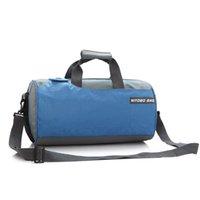 naylon çanta taşımak toptan satış-Su geçirmez Naylon Kadın Bagaj Duffle Çanta Büyük Kapasiteli Erkekler Kova Çanta Kadın Omuz Seyahat Çantası Üzerinde Taşımak 4 Renkler Pt1274