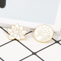 посадка лунных цветов оптовых-Lotus and Wave Brooches White Gold color Flower Moon Starry Night Wave Enamel Pins Badge Plants Nature Jewelry Gift for friends