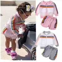 bebés traje de arco iris al por mayor-Ropa de diseñador para niños, trajes de deporte al aire libre para niñas, abrigo + chaleco + pantalones cortos con rayas del arco iris 3pcs / set 2019 conjuntos de ropa de bebé de verano C6583