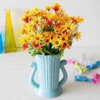 küçük yapay çiçekli bitkiler toptan satış-Yapay Bitkiler 18 Başlıkları Düğün Dekorasyon Papatya Çiçek Küçük Çim Sahte Çiçek Plastik İpek Okaliptüs Yapay Çiçekler
