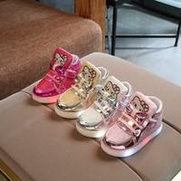 alt led toptan satış-Çocuk Ayakkabıları LED Işık Lüminesans Ayakkabı Kız Lamba Rahat Ayakkabılar kaymaz Alt Bebek Ayakkabı