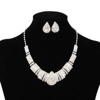 conjuntos de jóias venda por atacado-2019 Luxo Rhinestone Bridal Acessórios Conjuntos de Jóias de Casamento Colar Brincos Acessórios Two Pieces Barato Moda Estilo Quente CPA797