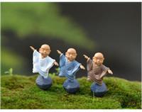 ingrosso ornamenti in miniatura-kung fu Cartoon monk figurine fairy garden miniature ornamenti terrario Decorazione muschio Micro Paesaggio mestieri in resina