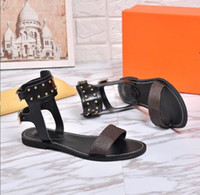 plaine achat en gros de-Femmes Date Rivets De Luxe Populaire En Cuir Sandale Chaussures Plates Toile Plaine Casual Parti Sandale