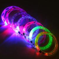 ingrosso braccialetto colorato flash-Braccialetto LED Flash Brillante Glow Light Hand Ring Sticks Luminoso Crystal Gradient Braccialetto colorato Stunning Dance Party Regalo di Natale