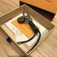 chaveiro de couro feito à mão venda por atacado-Luxo Buckle Key Moda Keychain 4 estilo Handmade Car Chaveiro de couro Mens Mulher Bag Pingente encanto Acessórios chegam novas com caixa L818