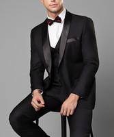 smokings para homens venda por atacado-Noivo Smoking Abotoamento Preto pico lapela Groomsmen melhor homem terno ternos Mens casamento (jaqueta + calça + Vest) 100% Real Imagem