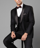 tuxedoes de novio negro al por mayor-Novio esmoquin doble de pecho Negro pico solapa padrinos de mejor juego del hombre para hombre Trajes de boda (Jacket + Pants + vest) 100% imagen real