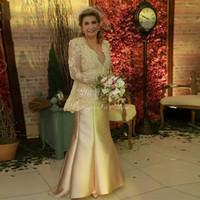 vestidos de novia largos vestidos amarillos al por mayor-Sirena amarilla Madre de los vestidos de novia 2020 V Cuello de manga larga Encaje Tallas grandes Vestidos de noche para mujeres Vestidos de boda para invitados