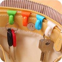plastikschlüsselaufhänger großhandel-2 STÜCKE plastiktüte Kleiderbügel Schlüsselanhänger Kette Halter Haken Handtasche Umhängetasche Organizer