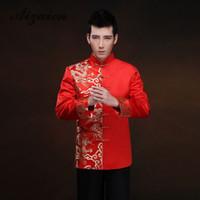 elbiseli elbiseler toptan satış-Kırmızı Uzun Kollu Damat Tost Giyim Çin Elbise Ejderha Erkekler Saten Cheongsam En Kostüm Tang Suit Düğün Geleneksel Önlük
