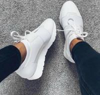 renkli eğiticiler toptan satış-2019 Yüksek Kalite Yarış Koşucu Ayakkabı Kadın Rahat Ayakkabı erkeğin Moda Renkli Patchwork Mesh Size36-47 Ile Karışık Renkler Trainer Sneakers