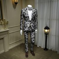 ingrosso due pezzi abiti gli uomini stili-XM GEEKI Moda uomo Giacche da uomo Mans Abito da sposa Completo due pezzi Abito nero Giacche stile britannico Blazer grigio 365wt42
