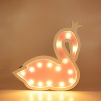 feux de forme de dessin animé achat en gros de-INS En Bois Lampe De Table 2 Couleurs Forme De Cygne LED Night Light Pour Enfants Maison Chambre Décoration De Bande Dessinée Décoratif Lumières Cadeau
