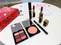 make-up-kit lippenstift schatten großhandel-Make-up Berühmte Amerikanische Marke T F Weihnachten Make-up Sechs Stück Kit 2 Schwarze Lippenstifte Cheek + Lidschatten + Mascara + Eyeliner