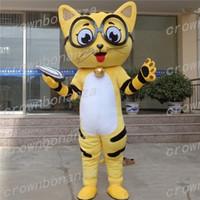 ingrosso personaggi del fumetto gatto giallo-Pink Cat Mascot Costume Anime Tema Carnevale Halloween Cartoon Occhiali gialli Gatti Animali Costume Personaggio Festa di compleanno di Natale Sui