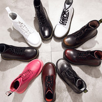 botas oxford de cuero para hombre al por mayor-Botas de hombre de marca caliente Martens Zapatos de invierno de cuero para motocicleta Botas de tobillo para hombre Doc Martins Fur Couple Oxfords Shoes