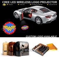araba kapısı lazer gölge aydınlatma toptan satış-Araba Kapı Hoşgeldiniz Işık Kablosuz Pil Projektör Lazer GOBO Logo Işık Hayalet Gölge Puddle Amblem Spot