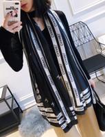 señora de la llegada bufandas al por mayor-Nueva llegada de Las Mujeres Bufanda de Seda Mejor Calidad de Primavera Verano carta de impresión Clásico Elegante Señoras Wrap bufandas Chales bufandas 180x90cm 1 unids