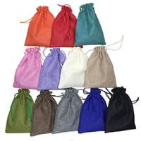 bolsa hecha a mano al por mayor-15 * 20 cm 50 unids 12 Color Hecho A Mano Bolsas de Cordón de Yute Bolsa de Arpillera Del Banquete de Boda Bolsas de Regalo de Navidad Bolsas de Joyería Bolsas de embalaje