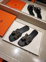 siyah yüksek takozlar toptan satış-2019 luxe kapalı Yüksek kalite beyaz tavsiye genç kadın siyah sandalet yaz kadın ayakkabı platformu takozlar