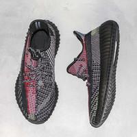 ingrosso scarpe colorate-Yecheil Kanye West Scarpe da corsa Designer cocco nero Colorful Sneakers superiore delle donne casuali delle scarpe da tennis degli uomini con la scatola