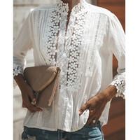 ingrosso camicia bianca in pizzo-Le nuove donne di modo del merletto del cotone scavano fuori la camicetta delle signore allentate casuali bianche superiori Camicette delle camicette dei bottoni Stanno la camicia del collare del pizzo