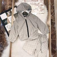 longs manteaux en tissu achat en gros de-Vêtements de marque pour enfants manteau réfléchissant lettre de chemise garçons avec ensemble de shorts en polyester enduit de tissu