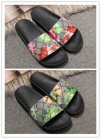 Mens Womens Sandals Designer Schuhe zzx1 Luxus Folie Sommer Mode breite flache rutschige Sandalen Slipper Flip Flop Größe 35 46 Blumenkasten c09