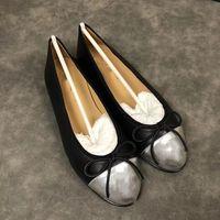ingrosso scarpe da donna di fascia alta-Logo di fascia alta Logo CC Scarpe casual da donna Lowest Slip-on Luxury Leather Mocassini da donna in pelle di alta qualità Classic Dress Dress scarpe