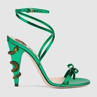 kadınlar yeşil topuklu toptan satış-2019 Yeni Moda Marka tasarımcısı kadın sandalet dantel yılan stiletto topuklu altın siyah yeşil büyük boy düğün ayakkabı ücretsi ...