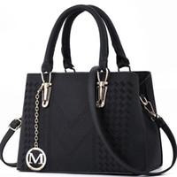 famoso designer embreagem venda por atacado-Bolsas de grife de promoção bolsa de luxo 2019 moda mulheres famosas bolsas de grife bolsa de luxo de grande capacidade totes sacos de embreagem sacos # mk