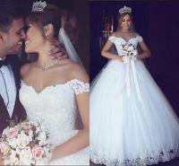 vestido de novia hombros al por mayor-Elegante fuera del hombro Vestido de fiesta Vestidos de novia de encaje Apliques con capucha Longitud del piso Por encargo Jardín Boda Vestido de novia